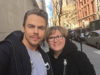 """@derekhough thanks for taking a picture with my ma, you made her day #niceguys #DWTS #sorry "" - February 18, 2016 Courtesy logandeanwhite twitter"