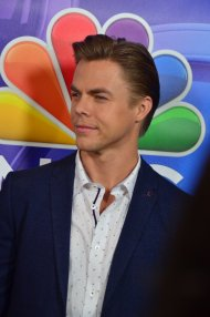 """Photo for my Derek Hough fans. From today's #TCA16 event. Via @TheRedCarpetTV #DWTS"" - August 2, 2016 Courtesy KristynBurtt and TheRedCarpetTV twitter"