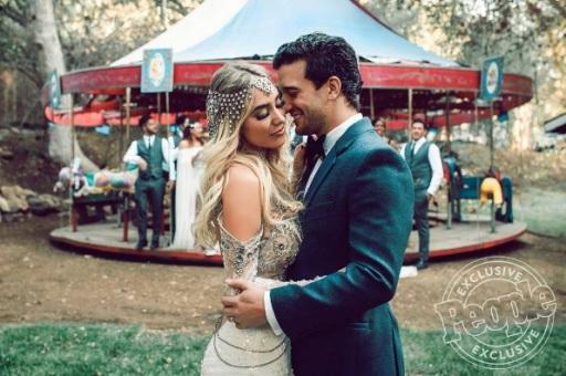 """#DWTS' #MarkBallas and #BCJean's wedding day was beautiful. 💕 |📷: Sydney & Dana Takeshta, London Light Photography"" - November 25, 2016 Courtesy people IG"