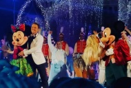 """#derekhough #juliannehough #mickeyandminnie #magickingdom #orlandoflorida #disneyworld taoing of the Thanksgiving special #insidedisneyparks"" - November 12, 2016 Courtesy starz139 IG"