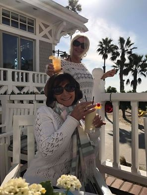 """Let the party begin 🍾🍸👯xx Long Island ice tea ❤️ cok guzel 🍹xx"" - November 23, 2016 Courtesy terrie martin facebook"