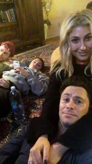 Derek, Hayley, Sasha and Emma hung out at Emma and Sasha's place - February 20, 2017 Courtesy sashafarber1 IG