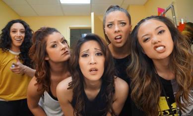 """& there goes #Show9 w/ the ladies 💛 * * * #MoveBeyond #meraki #lovewhatido #juliannehough #derekhough"" courtesy paulinemata ig"