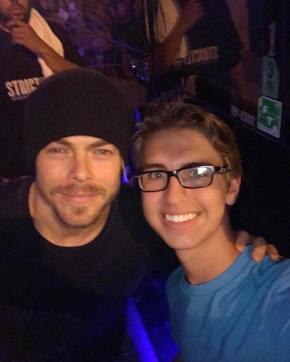 """Thanks @derekhough for stopping and taking pictures!! #derekhough"" courtesy chaseharris99 ig"