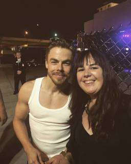 """American adventure part 6 @moveliveontour was AMAZING! So happy I crossed an ocean to see it! 😍💃#moveliveontour #derekhough"" courtesy nereis89 ig"