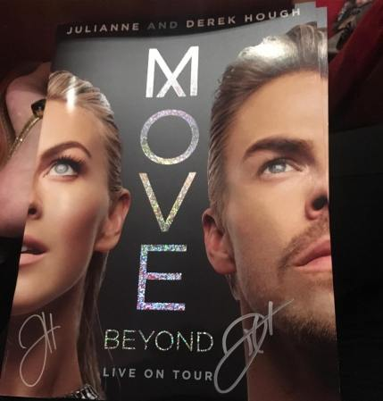 """""""Such an amazing night at the Move Beyond Tour in Raleigh!! 😆🙌🏼 #movebeyond #movebeyondtour #movebeyondtourraleigh #vip #meetandgreet #dancingwiththestars #derekhough #juliannehough #juleshough @derekhough @juleshough"""" courtesy tswiftborn1989 ig"""
