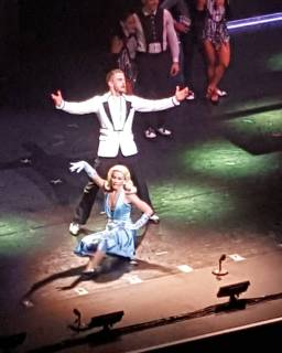 """Had a good time seeing @derekhough and @juleshough perform last night at the Dr.Phillips Center. #movebeyondtour #derekhough #juliannehough"" courtesy kayla.greaux ig"