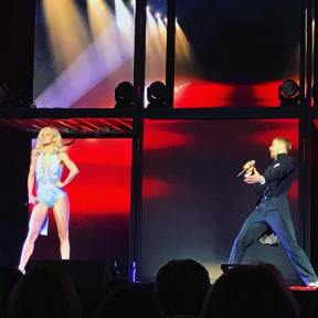 """#anythingyoucandoicandobetter #moveliveontour #movebeyondliveontour @movebeyondlivetour ... @jessebink #juleshough and #derekhough are just a better looking version of us! This number was hilarious, they one up each other on all their accomplishments, sound like anyone we know?! #siblingrivalry :) love ya!"" Courtesy erinm_hip2bfitmama ig"