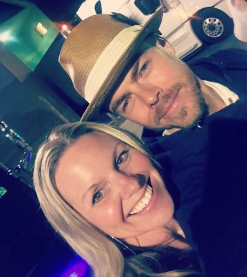 """Soooo.. this happened! ♥️ Met @derekhough and @juleshough after the @moveliveontour tonight! What truly amazing people with the kindest #hearts! #Appreciate them so much for taking the time to #meetandgreet AMAZING show! Go. See. It. #ASAP #dreamscometrue #beautifulpeople #motionequalsemotion #autographs #hugs #happygirl #daymade #derekhough #juliannehough #moveliveontour #danceislove #dance #daymaker #bestdayever #movebeyond"" Courtesy sarahkeenpost ig"