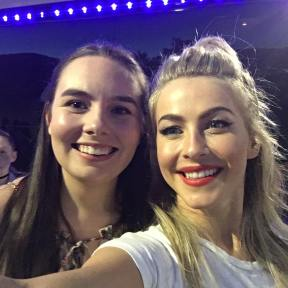 """I met @juleshough and she is the sweetest!!!!! ❤❤ #movebeyondliveontour #movebeyond @moveliveontour"" Courtesy ebomber94 ig"