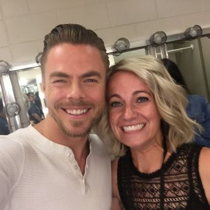 """Cheesin' hardcore, he's so gorgeous 😍🔥 SO EXCITED 💃🏼🕺 #moveliveontour #movebeyond #vip #derekhough #motionequalsemotion"" Courtesy taliamangiameli ig"