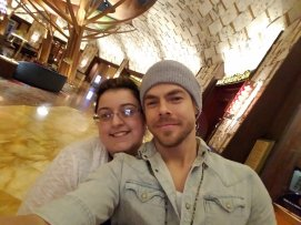 """Omg I just met @derekhough holy shit"" - Move Beyond - Uncasville, Connecticut - April 30, 2017 Courtesy DHoughLovers twitter"