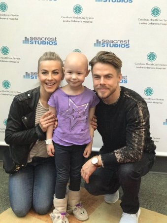 """💗💗💗 @juliannehough @derekhough @RyanFoundation"" - Charlotte, North Carolina - May 10, 2017 Courtesy LevineChildrens twitter"