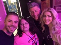 """This literally happened and I was so star struck. Can't believe I got to meet their dad. @derekhough derekhough @juliannehough @BruceHough"" Courtesy MunozMadison tw"