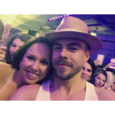 """ok I seriously just met Derek Hough...my life is made!! @derekhough"" Courtesy taylorannhurst tw"
