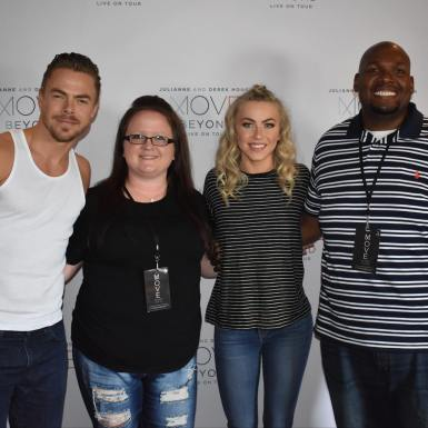 """One of the best shows I've been to!! @moveliveontour @derekhough @juleshough"" Courtesy kristina060204 ig"