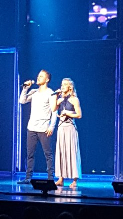 """Thank you for coming to Springfield Missouri! @juliannehough @derekhough #MoveBeyond"" Courtesy @BLeap83 tw"