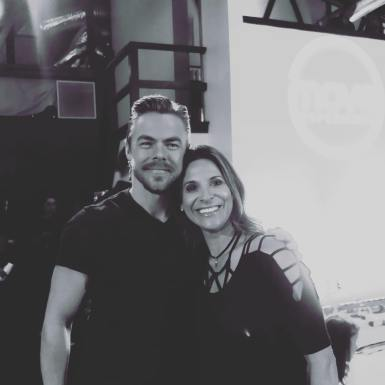 An incredible dancer, artist, speaker, choreographer, and overall amazing human #derekhough #moveexperience #move #dance #memorableday #danceforever #feelingblessed @derekhough Courtesy lorilarocque ig